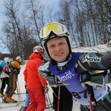 Best, Bjarne Solbakken stakk i dag av med tittelen veterannorgesmester i slalåm i Raudalen-Beitostølen
