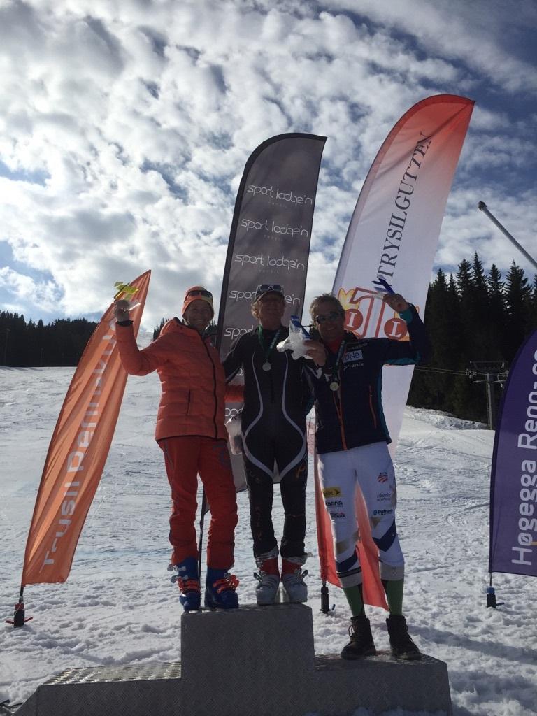 Beste kvinne allround ikke uventet Elisabeth Økern og beste mann kort-lang løpe Andreas Dimmen og Erik Stanger NM MastersAlpint2018